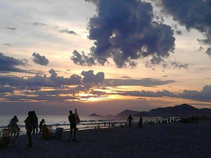 Abraão Almeida fez uma foto dramática do pôr do sol na Cidade Maravilhosa