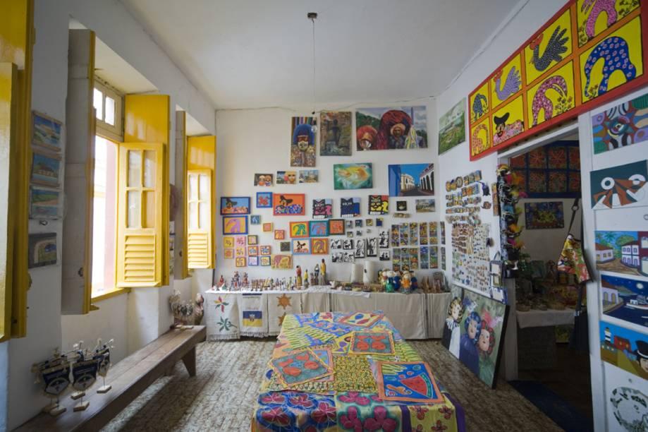Loja e ateliê na Rua do Amparo, o polo cultural do Centro Histórico
