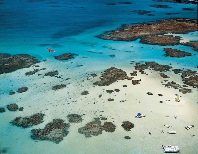 Em Maragogi fica o maior conjunto de piscinas naturais de Alagoas, chamado de Galés. Quando a maré baixa, catamarãs levam turistas até o local