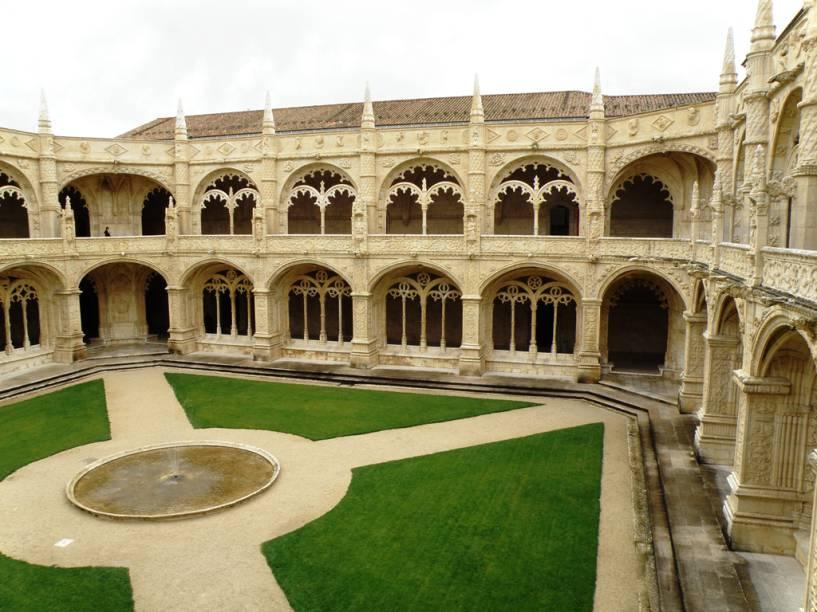 Declarado Patrimônio Mundial pela Unesco, o Mosteiro dos Jerónimos começou a ser construído em 1501. Era na igreja que os navegantes pediam proteção antes de embarcar nas viagens além-mar