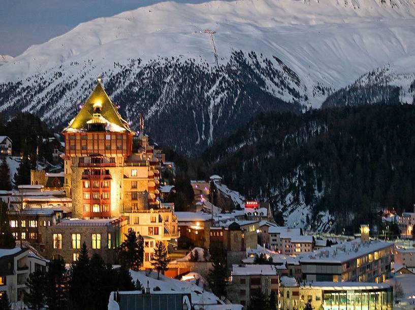 Vista da vila de St. Moritz: uma das mais clássicas dos Alpes Suíços