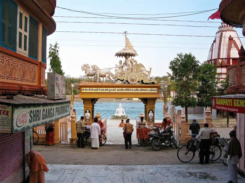 O ashram Parmath, em Rishikesh, fica em frente ao Ganges, que corre limpo por ali