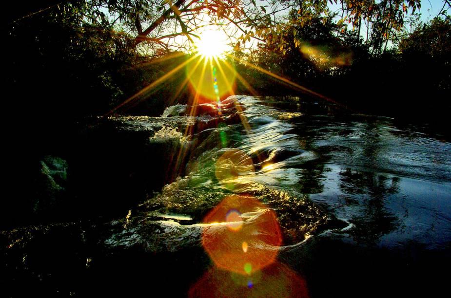 """<a href=""""http://viajeaqui.abril.com.br/estabelecimentos/br-ma-carolina-atracao-chapada-das-mesas"""" rel=""""Chapada das Mesas"""" target=""""_blank""""><strong>Chapada das Mesas</strong></a>    A Cachoeira do Prata fica em uma região pouco desbravada da Chapada das Mesas"""