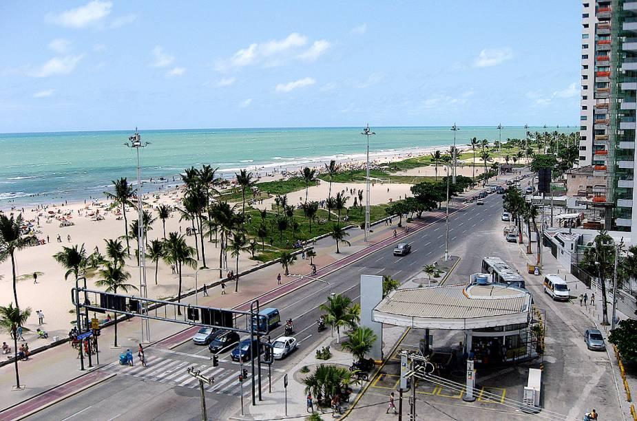 """A altura do Segundo Jardim é reduto de bares, como o Quiosque da Barracuda, na <a href=""""http://viajeaqui.abril.com.br/estabelecimentos/br-pe-recife-atracao-praia-boa-viagem"""" rel=""""praia de Boa Viagem"""" target=""""_blank"""">praia de Boa Viagem</a>, no <a href=""""http://viajeaqui.abril.com.br/cidades/br-pe-recife"""" rel=""""Recife (PE)"""" target=""""_blank"""">Recife (PE)</a>"""