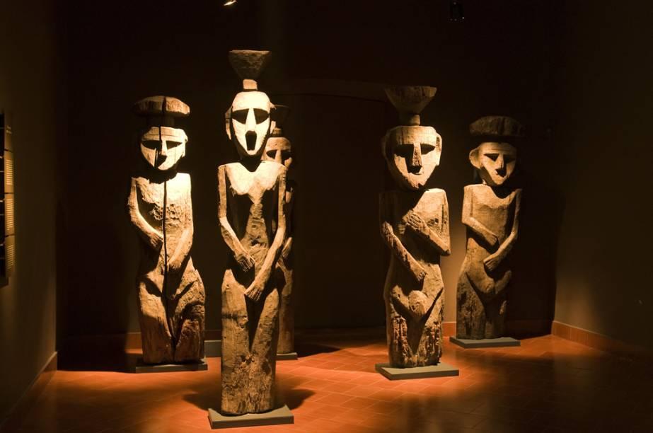 O Museu de Arte Precolombino abriga mais de 2 mil peças arqueológicas dos povos que habitavam a América do Sul. As múmias Chincorro, mais antigas que as egípcias, são as estrelas do local