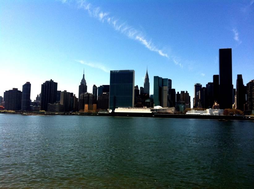 A vista da ilha de Manhattan a partir de Long Island City, no Queens