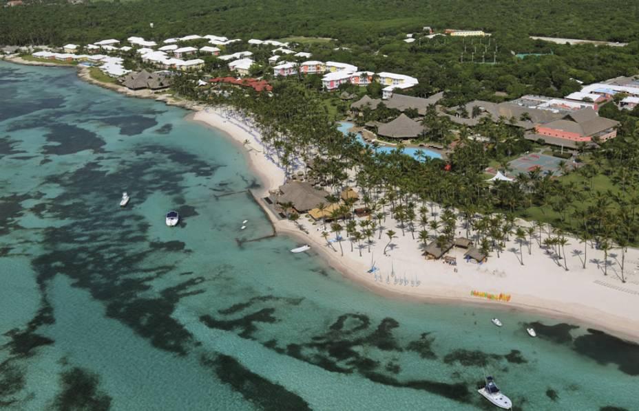 Punta Cana concentra mais de 30 resorts, dos básicos aos luxuosos. A maioria funciona sob o sistema all inclusive, com refeições, bebidas e até passeios incluídos