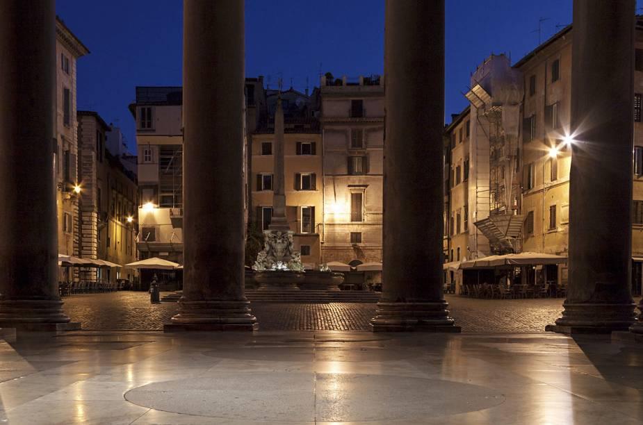 O templo politeísta foi construído na Roma Antiga para celebrar as divindades da época, mas foi transformado em igreja quando o Catolicismo tornou-se mais influente