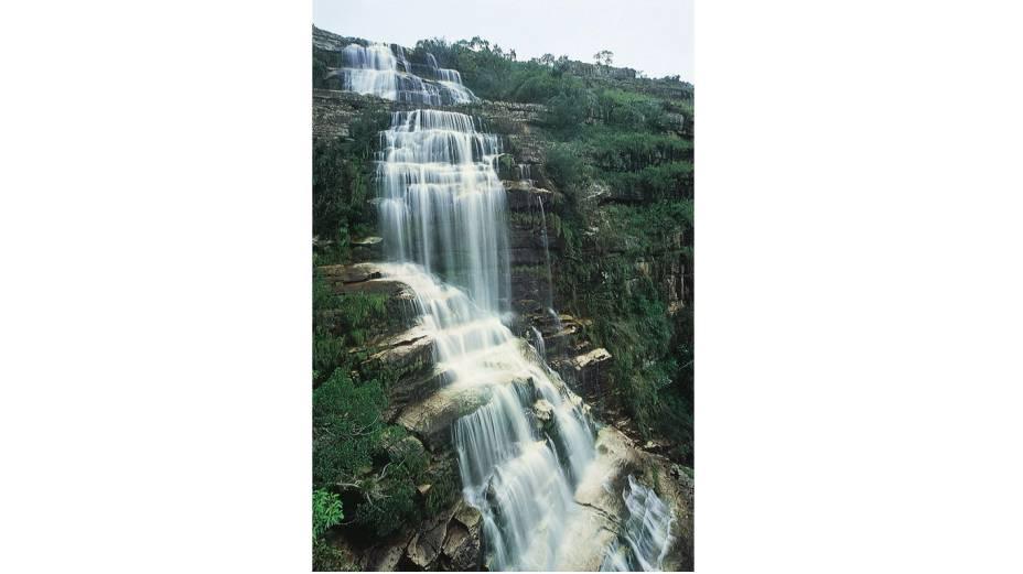"""<strong>3. <a href=""""http://viajeaqui.abril.com.br/cidades/br-pr-tibagi"""" rel=""""Tibagi"""" target=""""_blank"""">Tibagi</a> (2 dias)</strong>        Grande atração da cidade, o Cânion do Rio Iapó, no Parque Estadual do Guartelá, merece uma viagem – especialmente se você gosta de caminhadas, cachoeiras e de praticar rafting. No trajeto, não deixe de conhecer Castrolanda, colônia holandesa em Castro."""