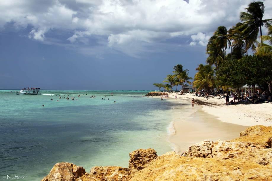 "Pigeon Point, em Tobago, <a href=""http://viajeaqui.abril.com.br/cidades/trinidad-e-tobago-tobago-e-scarborough"" rel=""Trinidad e Tobago"" target=""_blank""><strong>Trinidad e Tobago</strong></a>"