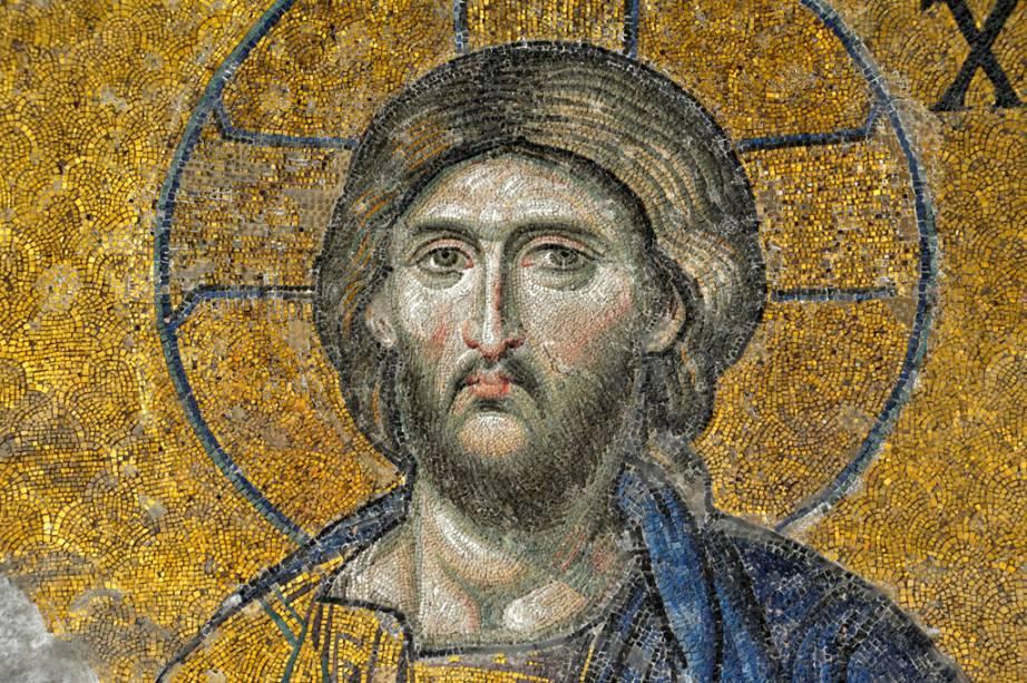 Os mosaicos cristãos nas paredes são a atração principal da Aya Sofia