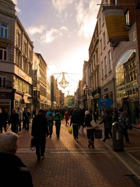 Grafton Street é uma das principais ruas para fazer compras em Dublin
