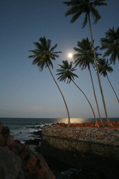 Luar em Morro de São Paulo, na Bahia; ao mesmo tempo em que é um destino badalado, a ilha também é perfeita para casais