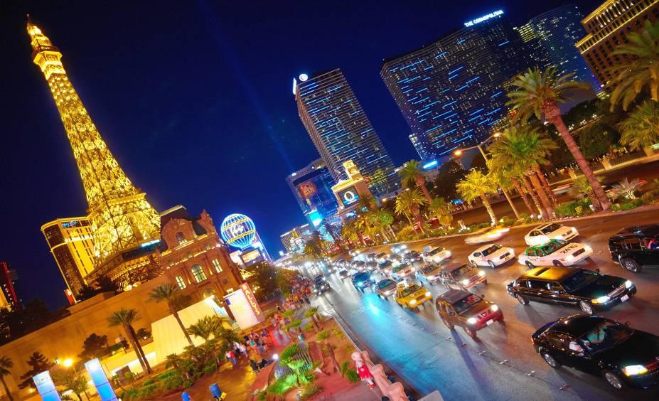 """<strong>8. <a href=""""http://viajeaqui.abril.com.br/cidades/estados-unidos-las-vegas"""" rel=""""LAS VEGAS"""" target=""""_blank"""">LAS VEGAS</a></strong>                    A Cidade do Pecado não tem esse nome à toa: diversas gerações de norte-americanos e turistas solteiros já se divertiram muito nas ruas e baladas de Las Vegas, e a tradição continua vivíssima. A metrópole de Nevada é um destino de entretenimento por excelência e oferece algumas das melhores discotecas dos <a href=""""http://viajeaqui.abril.com.br/paises/estados-unidos"""" rel=""""Estados Unidos"""" target=""""_blank"""">Estados Unidos</a> para quem quer baladar."""
