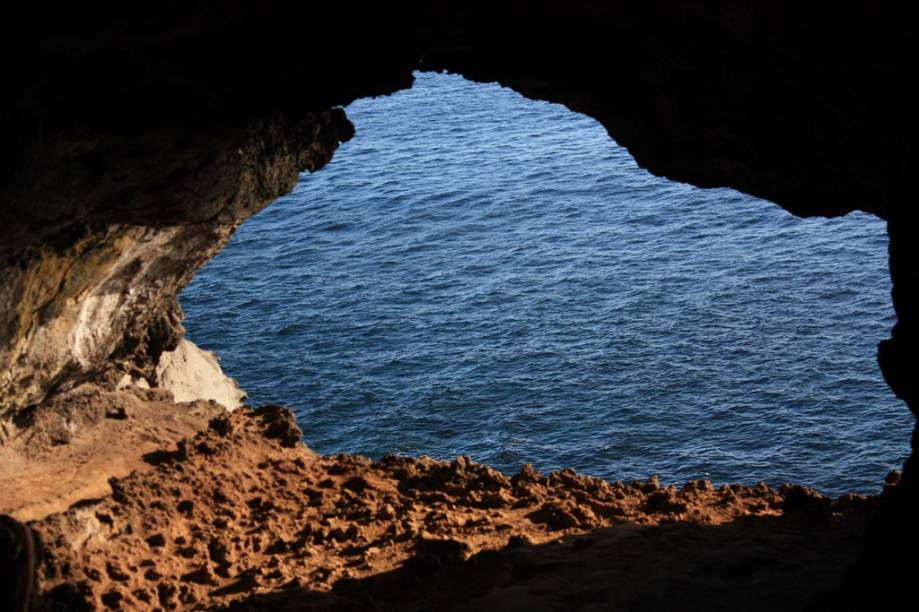 Durante disputas internas pelo poder da ilha, o povo rapa nui se escondia nas inúmeras cavernas formadas pelas lavas vulcânicas