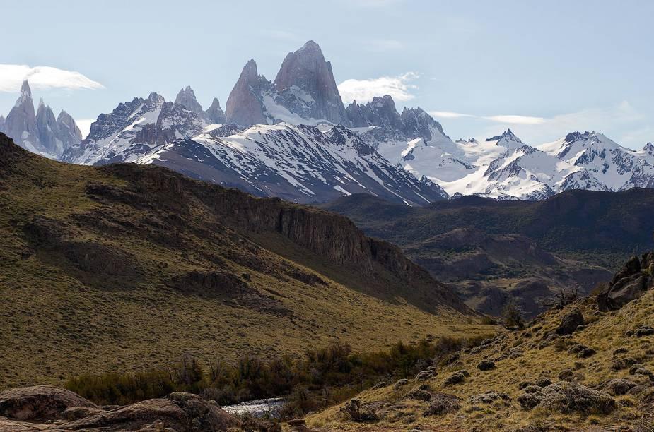 """Além de grandes montanhas, a região de <a href=""""http://viajeaqui.abril.com.br/cidades/ar-el-chalten"""" rel=""""El Chaltén"""" target=""""_blank"""">El Chaltén</a> tem bons trechos para a prática de trekking, cercada por vales e de onde é possível avistar várias espécies de aves e mamíferos, tais como raposas, patos e até os selvagens pumas"""