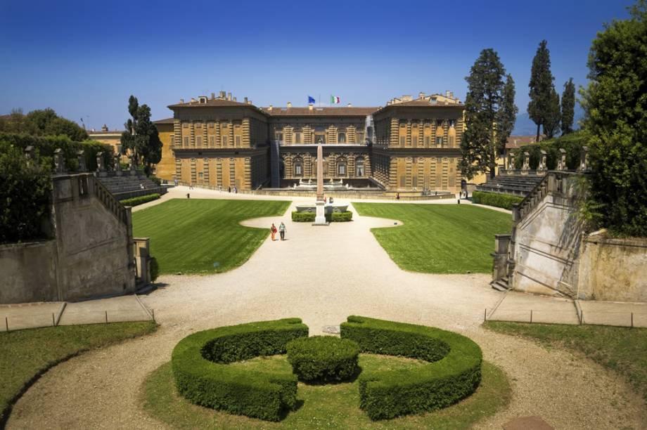 """O <a href=""""https://www.uffizi.it/en/pitti-palace"""" target=""""_blank"""" rel=""""noopener""""><strong>Palazzo Pitti</strong></a> foi projetado por Filippo Brunelleschi para ser a moradia da família Pitti, uma dinastia de banqueiros arquirrivais dos Médici"""