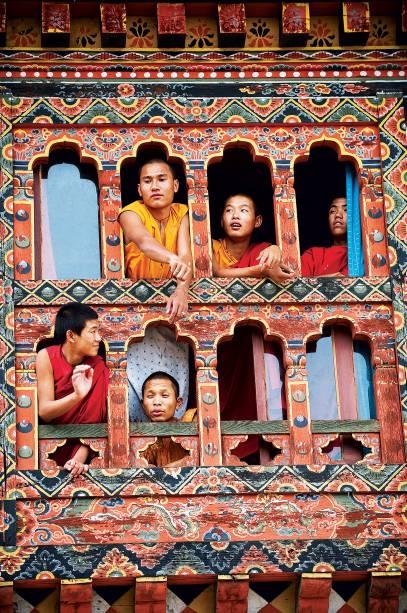 <strong>5. Butão</strong>Ao sul da Cordilheira do Himalaia, cercado por uma floresta abundante, esse reino budista possui templos majestosos – o mais famoso é o Rinchen Pung Dzong, uma construção cheia de salões com piso de madeira e altares coloridos. É onde foram filmadas cenas de O Pequeno Buda, de Bernardo Bertolucci