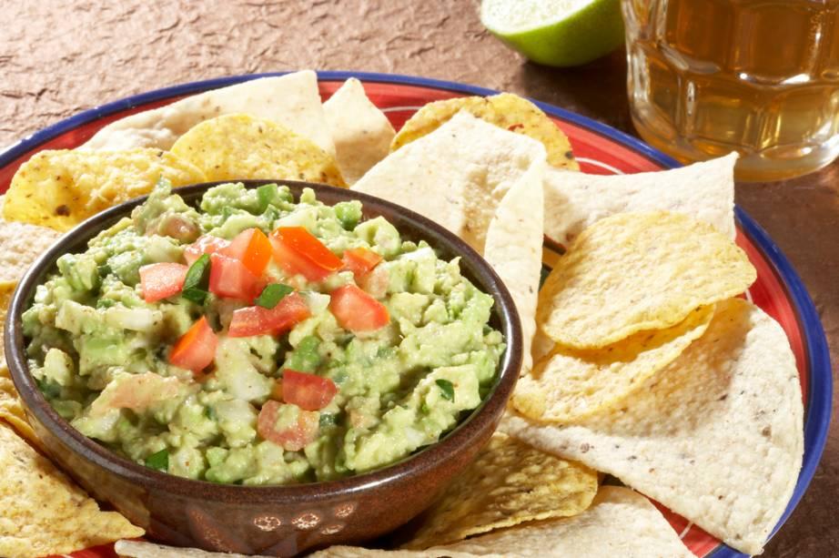 A gastronomia tradicional mexicana foi declarada Patrimônio Cultural Imaterial da Humanidade, pela Unesco. O guacamole, um tipo de purê de abacate, acompanha tortillas e saladas