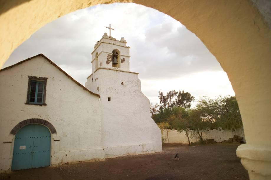Na Igreja de San Pedro, erguida em 1641, a cobertura de barro e palha do teto está presa a travessas de madeira e cacto