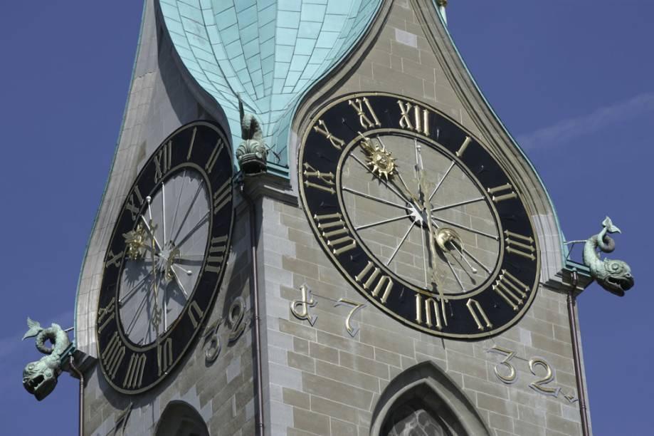 Relógio do campanário da Igreja Fraumünster, em Zurique