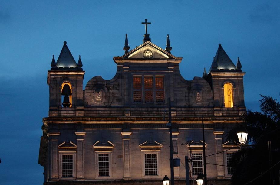 A Catedral Basílica de Salvador é uma das primeiras igrejas avistadas no Pelourinho para quem chega pelo Elevador Lacerda