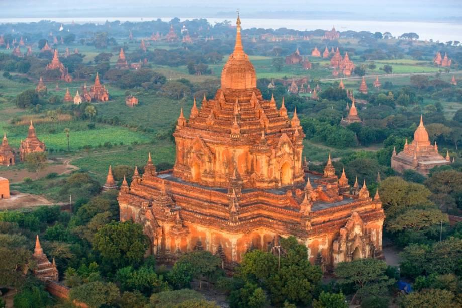 Estupas e templos budistas em Bagan