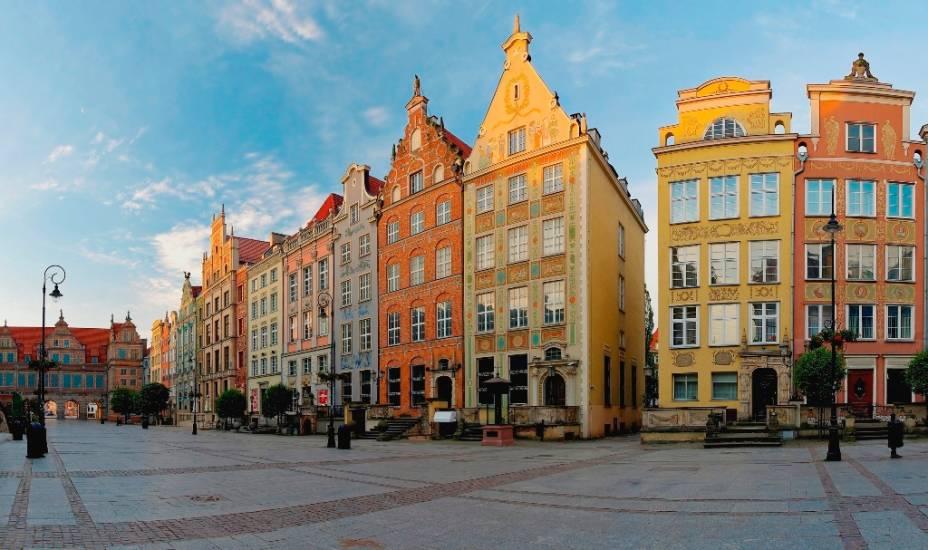 Para a maioria das pessoas ao redor do mundo, <strong>Gdansk </strong>traz à lembrança o movimento sindical Solidariedade e seu líder e futuro presidente da Polônia, Lech Walesa. A cidade porém traz uma história rica e instigante, como na agradável praça <strong>Dugli Targ</strong>, com seus edifícios em estilo hanseático