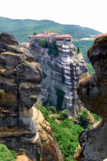 Monastérios ortodoxos em Meteora, na região da Tessália