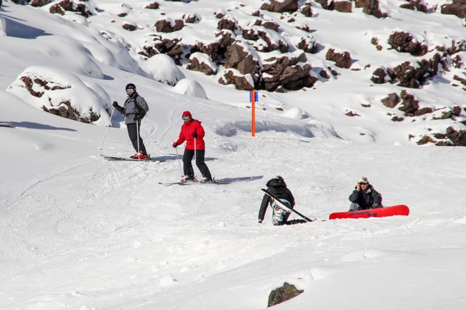 <em><strong>Tongariro National Park</strong></em>- No inverno, a diversão se concentra na estação de esqui no Monte Ruapehu, um dos cenários da trilogia Senhor dos Anéis