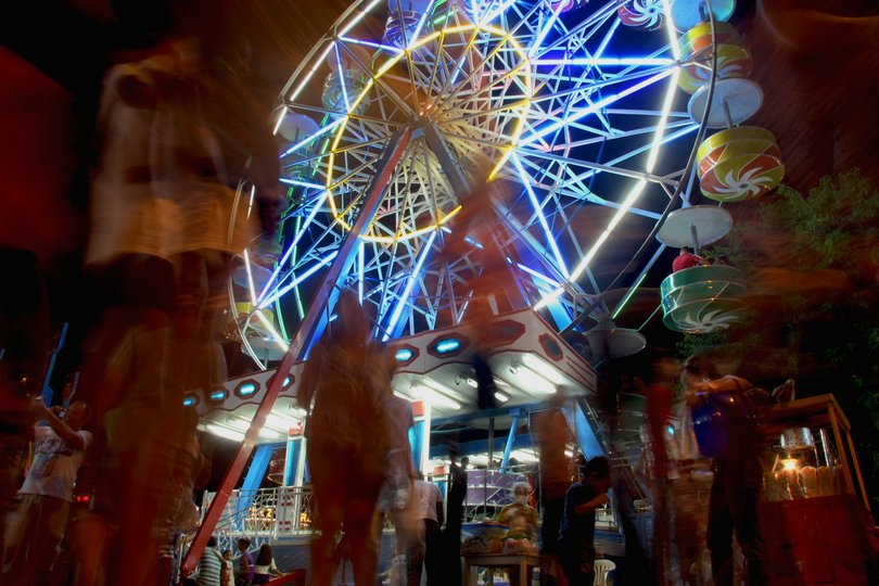 Roda-gigante do arraial de Nazaré, que acontece durante as comemorações do Círio de Nazaré, em Belém, Pará.