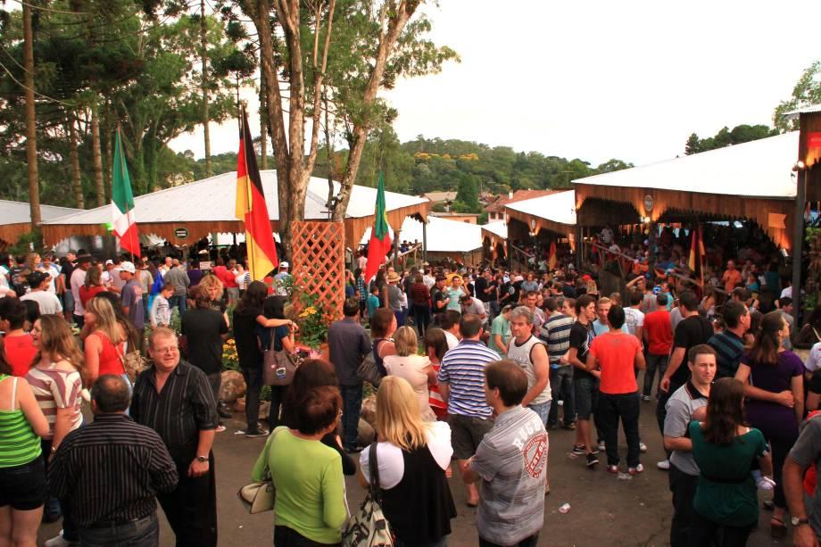 A Festa da Colônia é uma homenagem de Gramado aos imigrantes alemães, portugueses e italianos