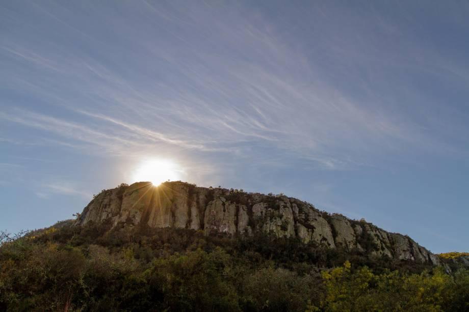 <em>Amanecer en el cerro</em>, de Adriana Morales