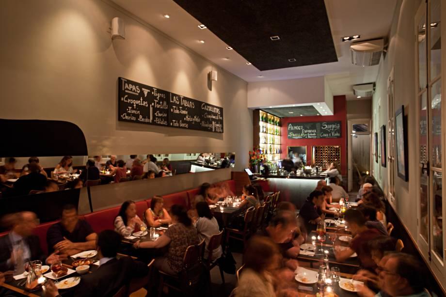 """<a href=""""http://viajeaqui.abril.com.br/estabelecimentos/br-rj-rio-de-janeiro-restaurante-entretapas"""" rel=""""Entretapas, Rio de Janeiro:"""" target=""""_blank""""><strong>Entretapas, Rio de Janeiro:</strong></a>            Cervejas ibéricas, sangria, tapas e paella são destaques no menu espanhol do Entretapas."""