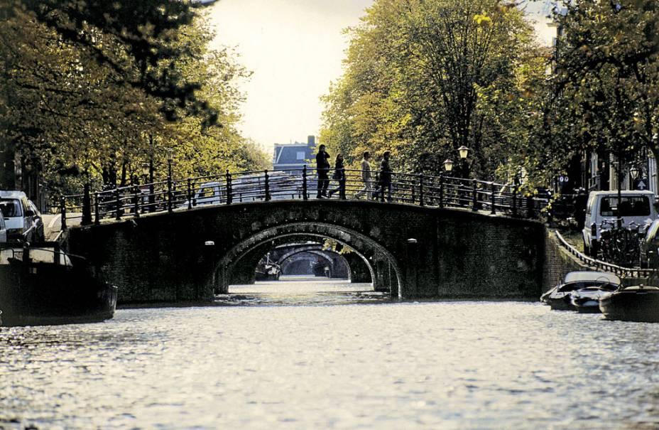 "<strong><a href=""http://viajeaqui.abril.com.br/cidades/holanda-amsterda"" target=""_blank"">Amsterdã</a> - <a href=""http://viajeaqui.abril.com.br/paises/holanda"" target=""_blank"">Holanda</a> </strong>"