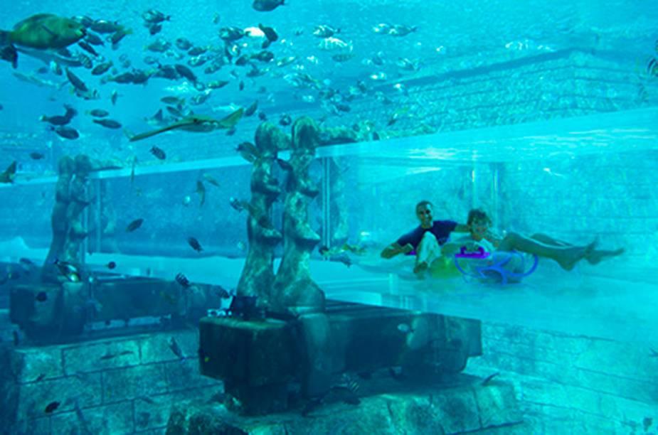 """<strong>8. <a href=""""http://viajeaqui.abril.com.br/estabelecimentos/emirados-arabes-unidos-dubai-atracao-aquaventure"""" rel=""""Aquaventure Waterpark - Dubai, Emirados Árabes"""" target=""""_blank"""">Aquaventure Waterpark - Dubai, Emirados Árabes</a></strong>"""