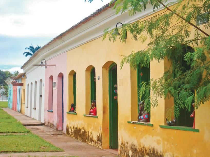 Lojas instaladas nas casas históricas da vila Arraial dAjuda