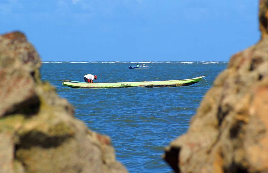 """Pescadores na <a href=""""http://viajeaqui.abril.com.br/estabelecimentos/br-se-aracaju-atracao-praia-do-saco"""" rel=""""Praia do Saco"""" target=""""_blank"""">Praia do Saco</a>, em <a href=""""http://viajeaqui.abril.com.br/cidades/br-se-aracaju"""" rel=""""Aracaju"""" target=""""_blank"""">Aracaju</a>, <a href=""""http://viajeaqui.abril.com.br/estados/br-sergipe"""" rel=""""Sergipe"""" target=""""_blank"""">Sergipe</a>"""