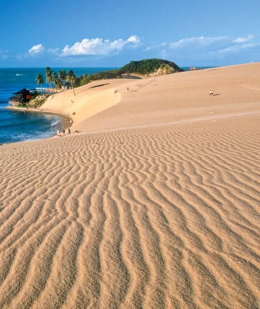 As dunas de Genipabu em momento bugue (e dromedário) free