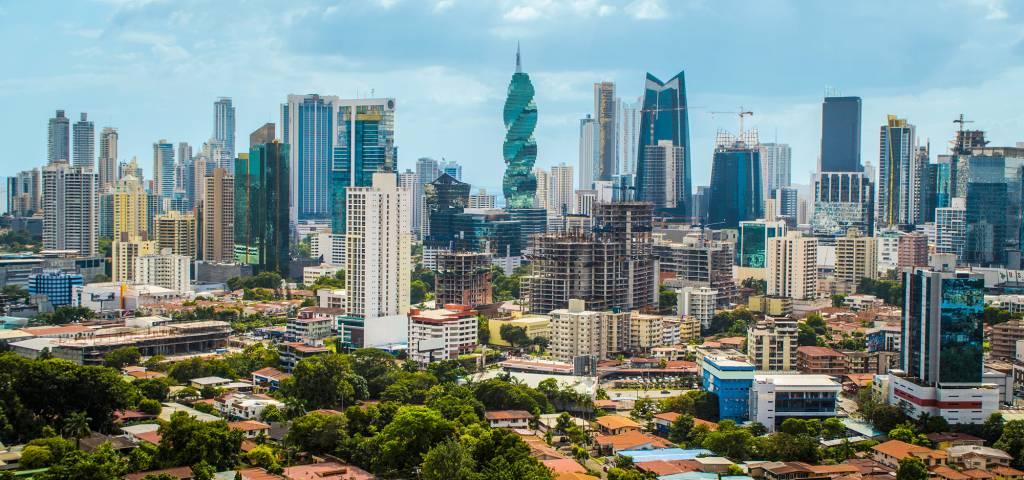 Vista do centro e do skyline da Cidade do Panamá, América Central