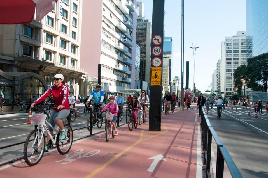 Além da abertura da avenida para pedestres e ciclistas, a Paulista agora também tem ciclovia