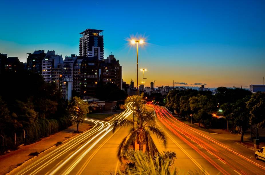 A Avenida Sabattini é uma das principais avenidas de Córdoba, conectando o Centro a outros bairros locais. Ela está para a cidade assim como São Paulo está para a Avenida Paulista