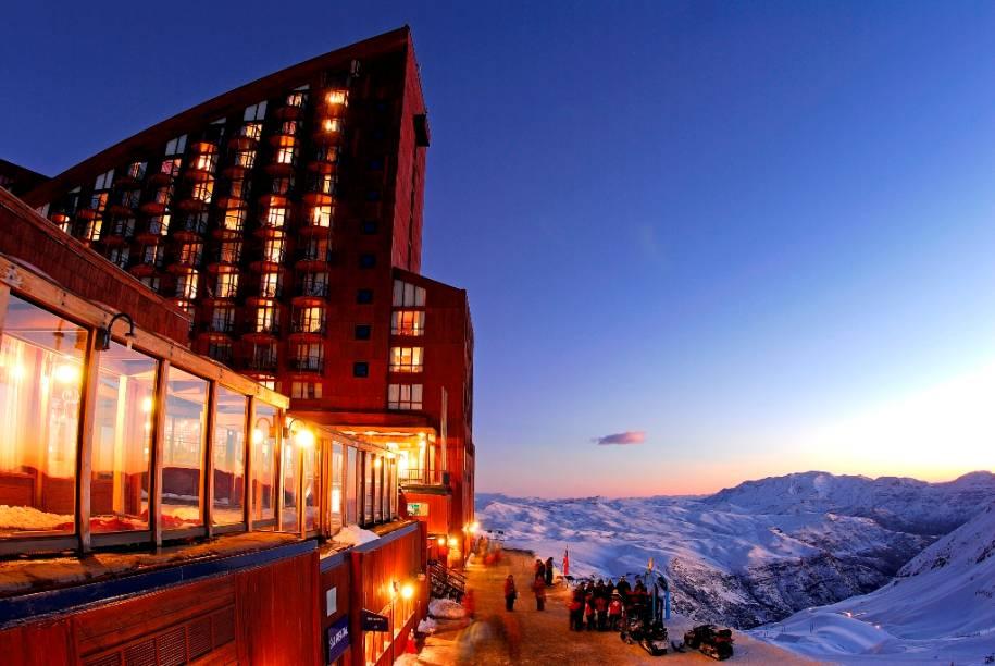Valle Nevado conta com três hotéis e várias opções de aluguel de apartamentos, que atendem os mais variados públicos