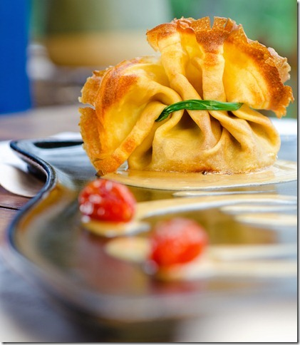 Crepe de pato ao creme de trufas do restaurante Babel, em Visconde de Mauá