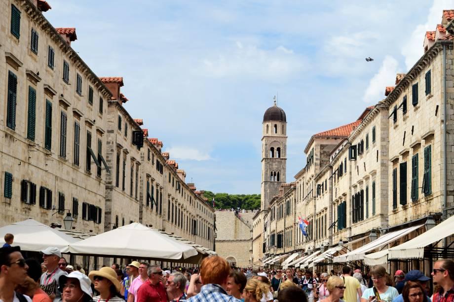 Apenas mais um dia normal de verão no Centro Histórico de Dubrovnik, na Croácia