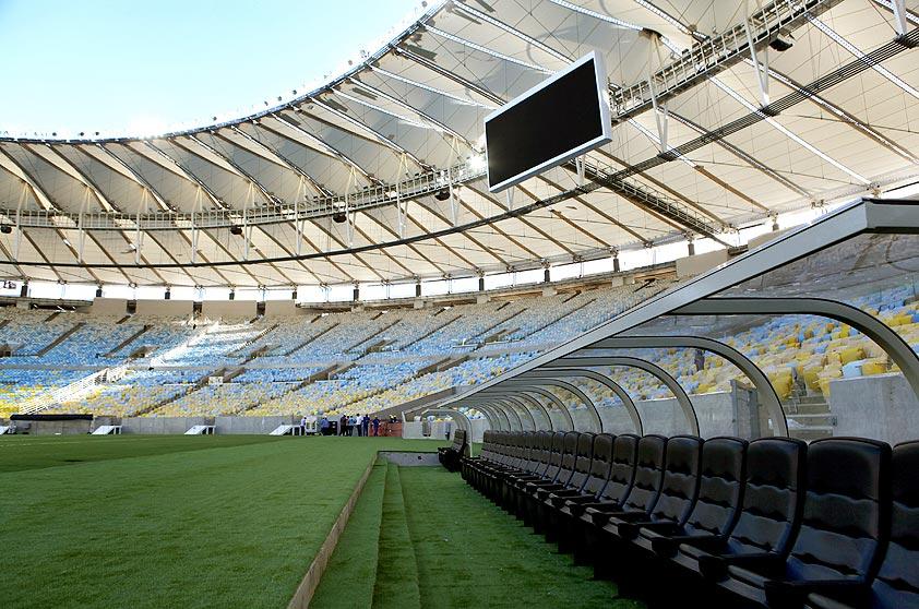 Depois de quase três anos de reformas para a Copa do Mundo, o Maracanã ficou mais sustentável: foram instalados mais de 1500 painéis de energia solar, além de dispositivos de reutilização da água da chuva