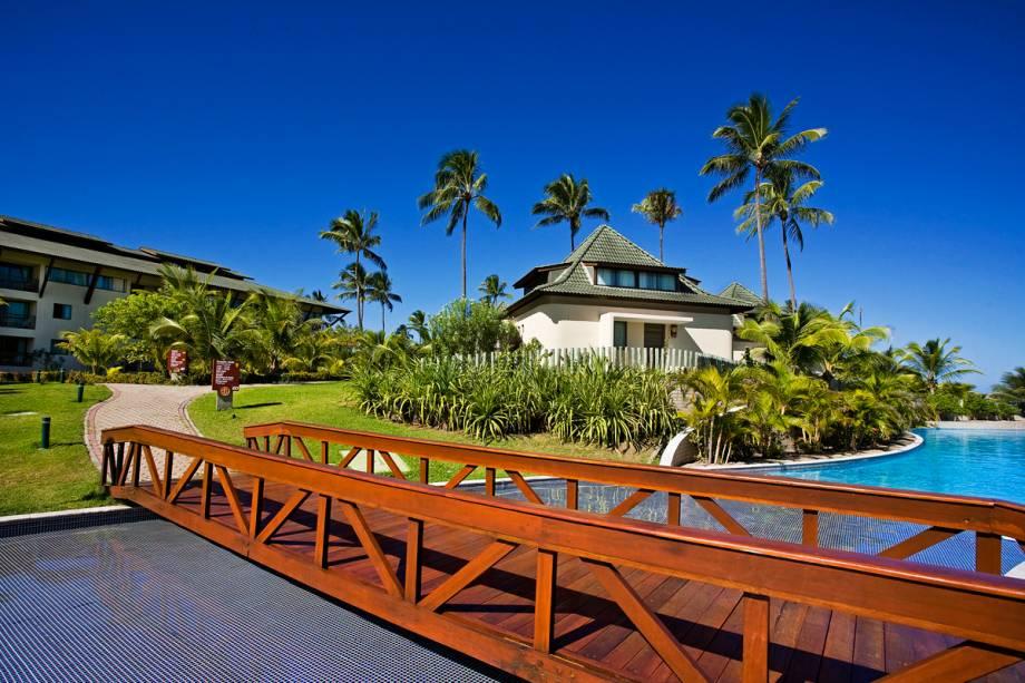 """<a href=""""http://viajeaqui.abril.com.br/estabelecimentos/br-pe-porto-de-galinhas-hospedagem-beach-class-resort-muro-alto"""" rel=""""Beach Class Resort Muro Alto"""" target=""""_blank""""><strong>Beach Class Resort Muro Alto</strong></a>    Para os turistas interessados em conhecer mais da região, o resort organiza passeios para Maracaípe, Recife e Olinda, onde é possível conferir as belezas naturais, tradição e cultura do estado de Pernambuco."""