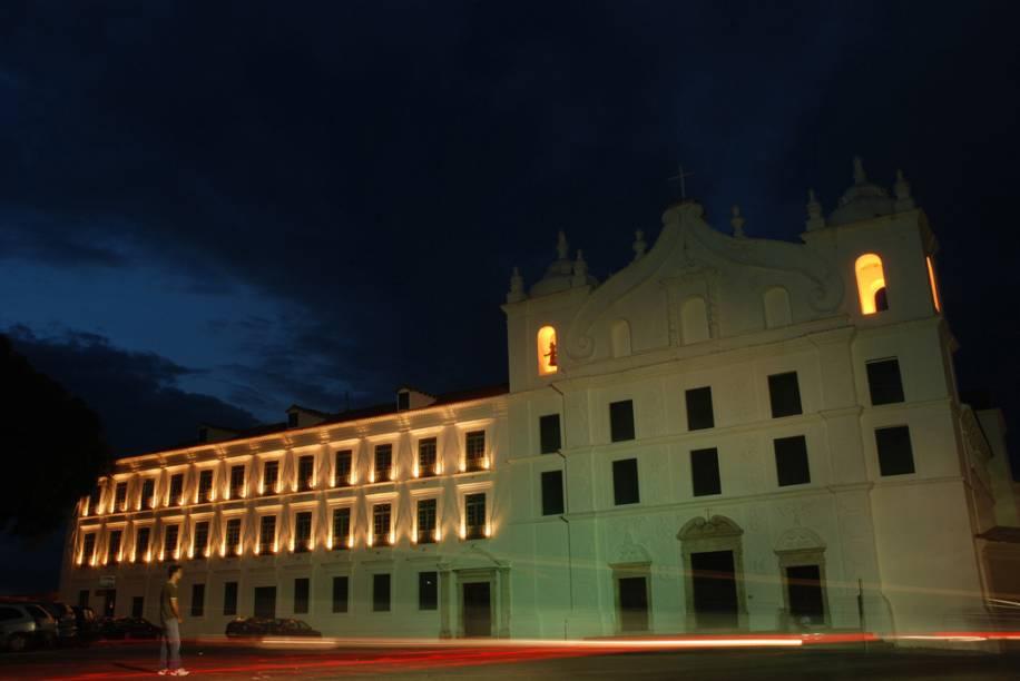 """O conjunto arquitetônico do <a href=""""http://viajeaqui.abril.com.br/estabelecimentos/br-pa-belem-atracao-museu-de-arte-sacra"""" rel=""""Museu de Arte Sacra"""" target=""""_blank"""">Museu de Arte Sacra</a> é formado pela Igreja de São Francisco Xavier e pelo Colégio de Sto. Alexandre"""
