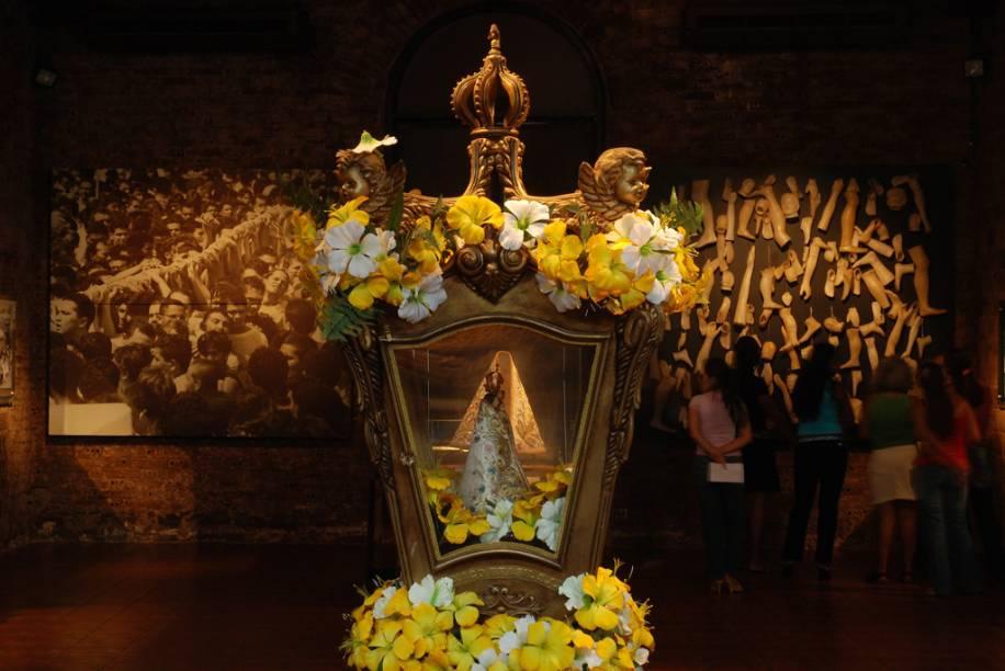 """As peças do <a href=""""http://viajeaqui.abril.com.br/estabelecimentos/br-pa-belem-atracao-museu-do-cirio"""" rel=""""Museu do Círio"""" target=""""_blank"""">Museu do Círio</a>, como a réplica de Nossa Senhora de Nazaré, contam a história de uma das procissões mais famosas do Brasil"""