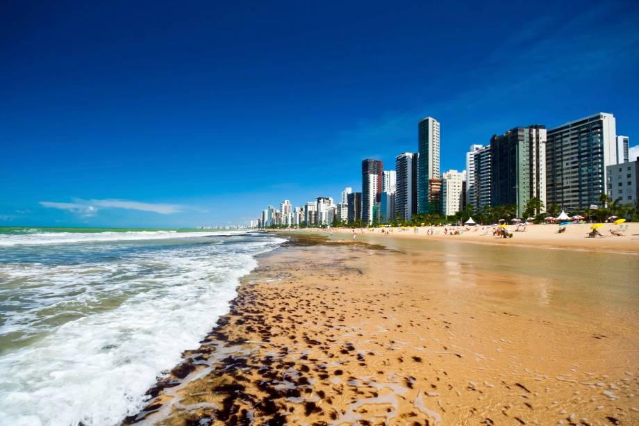 """<strong><a href=""""http://viajeaqui.abril.com.br/estabelecimentos/br-pe-recife-atracao-praia-boa-viagem"""" target=""""_blank"""">Boa Viagem</a> – <a href=""""http://viajeaqui.abril.com.br/cidades/br-pe-recife"""" target=""""_blank"""">Recife (PE)</a></strong>"""
